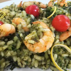 """Risotto """"Green"""" com Gambas e Pesto Genovese de Manjericão e Pinhões"""